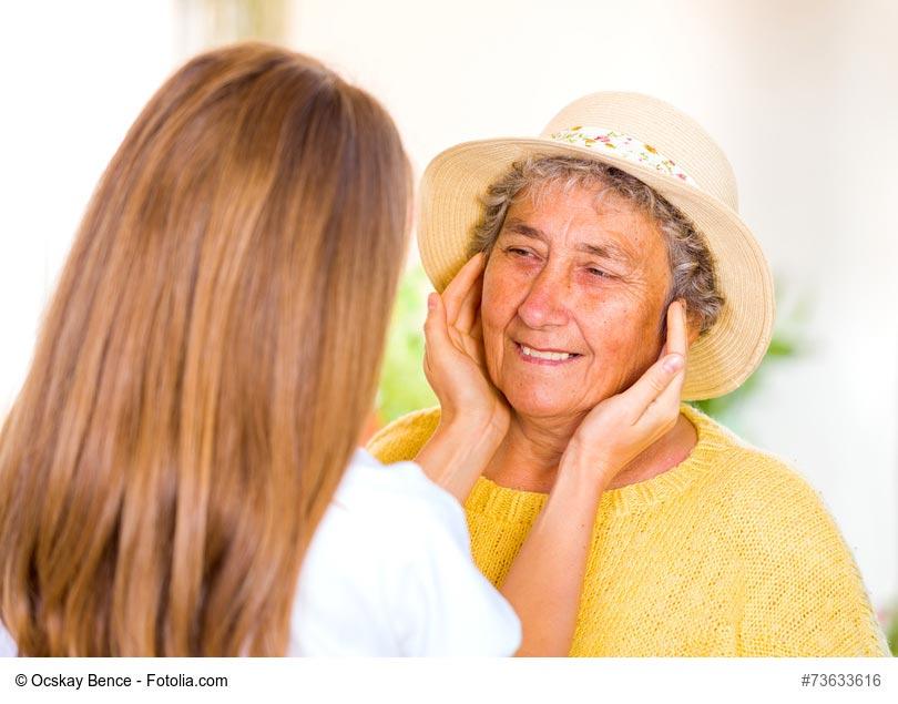 France Alzheimer & Opinion Way livrent un sondage sur la maladie d'Alzheimer : la parole aux personnes malades