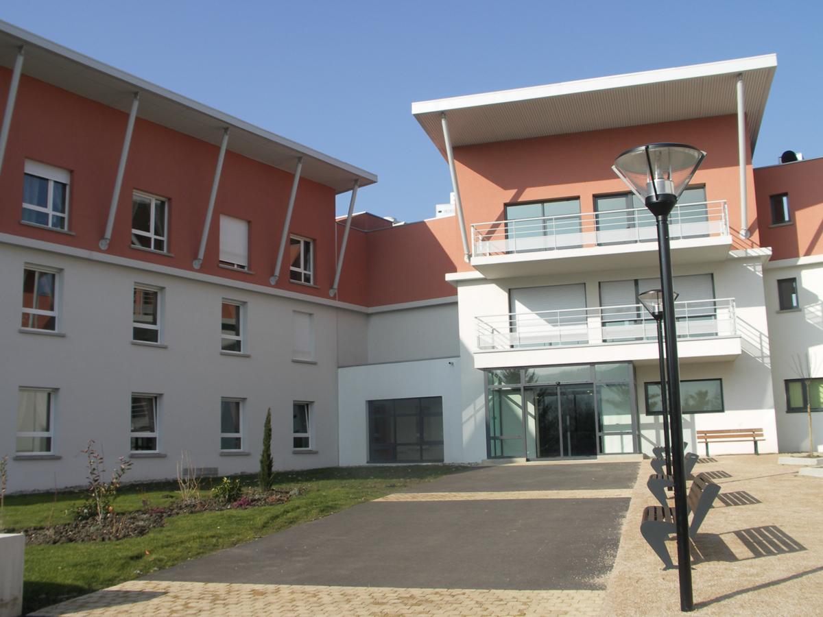 Handicapés vieillissants : Ouverture d'une unité  PHAA (personnes handicapées avancées en âge ) à L'Horme